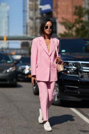 tailleur rosa pastello