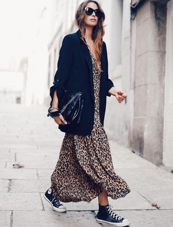 converse e vestito lungo