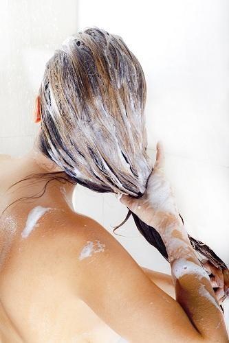 lavaggio propri capelli