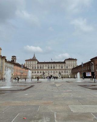 #torino // Un po' di foto di qualche weekend fa.  A 1.30h da Milano e ancora non l'avevo mai vista. Devo dire che Torino è molto bella, piena di piazze caratteristiche e edifici meravigliosi.   Qual è la vostra foto preferita? Avrei scattato in ogni angolo 🤍  #igtorino #igitalia #torinotoday