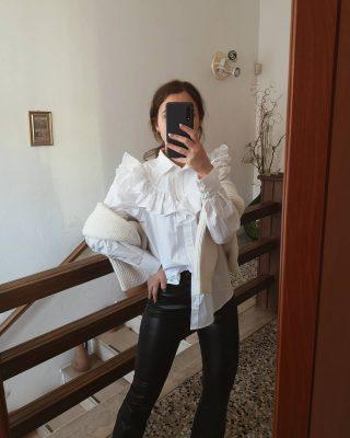 𝙉𝙪𝙤𝙫𝙖 𝙨𝙚𝙩𝙩𝙞𝙢𝙖𝙣𝙖, 𝙣𝙪𝙤𝙫𝙚 𝙞𝙙𝙚𝙚 𝙡𝙤𝙤𝙠 Sta iniziando una nuova settimana e perché non pensare già a cosa indossare? La maggioranza probabilmente sarà in smart working, ma sono look perfetti anche per lavorare comodamente da casa. Molti di questi capi sono nuovi acquisti fatti da @hm. Nelle stories trovate tutti i codici 😊 Qual è il vostro look preferito? ✨ #outfitoftheday#ootdshare#ootd#hmoutfit#shoppingonline#shoppinhaul#hmhaul#lookoftheday#lookdivo#lookcasual#smartworkingoutfit#inspirationoutfit#inspirationphoto#photooftheday#milan#iocreosulweb#fashiontips#fashionhaul