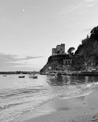 🌊🤍  #monterosso #cinqueterre #igitalia