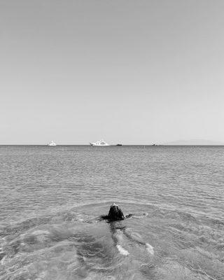 Ufficialmente l'ultima foto estiva ✨   #livinglittlemoments #blackandwhitephotography