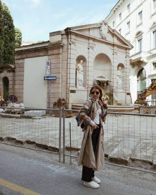 𝙄 𝙥𝙤𝙨𝙩𝙞 𝙥𝙞𝙪' 𝙞𝙣𝙨𝙩𝙖𝙜𝙧𝙖𝙢𝙢𝙖𝙗𝙞𝙡𝙞 𝙙𝙞 𝙈𝙞𝙡𝙖𝙣𝙤  -salva questo post se vuoi scattare belle foto per Instagram-   Ecco altri 5 posti dove poter scattare foto instagrammabili a Milano:  - Brera (sopratutto le viette laterali più nascoste)  - Museo del Novecento (sia dentro che davanti al museo)  - Piazza Liberty  - Paolo sarpi   - Colonne di S. Lorenzo  Quali sono i vostri posti preferiti dove scattate belle foto a #milano? ✨😊  #igmilano#igersmilano#milanodascoprire#milanphotography#milanogram#milanofashion#milanstreetstyle#outfitideas#ootdshare
