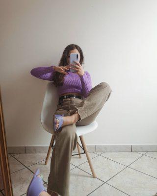 """Una delle cose che più mi piace è aprire l'armadio e provare. Provare nuovi look e nuovi abbinamenti per poi non indossare sempre il classico nero o bianco a completare il look perché """"tanto stan bene con tutto"""".   Da questo esperimento di un sabato pomeriggio posso dire che ho un nuovo outfit da sfoggiare (sicuramente con un'altra scarpa 😅).  Promosso questo look o avresti  cambiato qualcosa? ✨  #ootd #zaraoutfit #outfitoftheday #lookoftheday #zarawoman #inspirationoutfit #consigliomodadelgiorno"""
