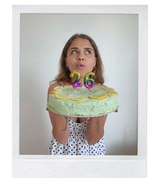 Happy birthday to me🍰  Ecco la mia idea di torta semplice. Alla fine questa mattina sono andata a comprare tutto l'occorrente per farne una che fosse tutta verde.   #happybirthday