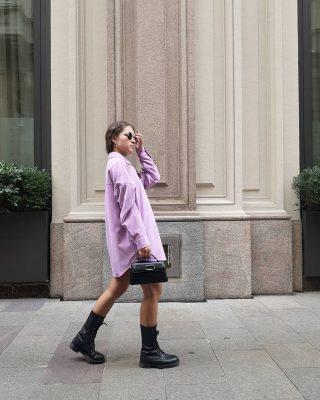 𝙏𝙚𝙣𝙙𝙚𝙣𝙯𝙖 𝙨𝙝𝙖𝙘𝙠𝙚𝙩  Qual è un capo di tendenza da acquistare durante i saldi?  Sicuramente la giacca-camicia, detta anche shacket, è il capo da avere nell'armadio e se la trovate in saldo ancora meglio, no?  Da usare quando non fa ancora freddo come vedete nella foto oppure in inverno sopra un dolcevita.  Insomma, un acquisto da non perdersi! Se volete alcune idee look con questo capo scrivetelo nei commenti ✨⬇️  #modainverno2021 #tendenzemoda #ootd #zaraoutfit #zarawoman